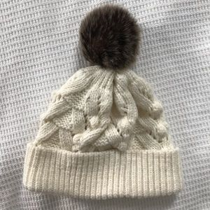 GAP wool blend cable knit beanie with faux fur pom